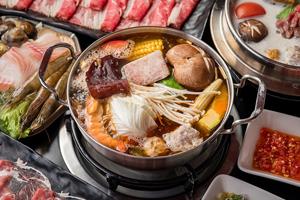 【彰化市】天鼎鍋物複合式餐飲 中國風古色古香的火鍋店,像走入時光隧道的龍門客棧呢!