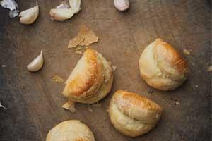 【彰化】帢米德專業烘焙 招牌蒜頭酥還有童趣小蛋珠?堅持不加膨脹劑,採用高品質原物料!
